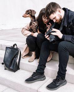 A fotózásaink nagy részében, így nézünk ki 😂 Zoli megmutatja milyen fotót készített, Nudli őrködik, én nézem, hogy a 300 képből melyik az 3 amin sikerült normális fejet vágnom 😅 Ez pl nem az 😂 Titeket is szoktak így titokban lekapni?📸 #bts Instagram Feed, Bts, Couple Photos, Couples, Couple Shots, Couple Photography, Couple, Couple Pictures