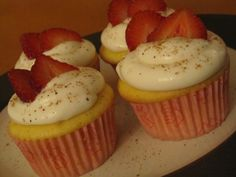 Strawberry filled lemon cupcakes and cream cheese frosting ---- unfortunately i didn't end up getting to try one, but i got a lot of compliments on them