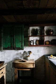 Our favourite photos from rustic homes full of character in Wales and the Lake District, cabins in the Romanian mountains and romantic French villages. Aged old repurposed green white wood Italian Home Decor, Rustic Italian, Rustic Kitchen, Country Kitchen, Country Living, Kitchen Ideas, Interior Minimalista, Interior Decorating, Interior Design