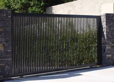 Garden and Outdoor 54 The Best Gate Design Ideas That You Can Copy Right Now In Your Home Understand Front Gate Design, Main Gate Design, House Gate Design, Door Gate Design, Fence Design, Garden Design, Aluminium Gates, Metal Gates, Metal Garden Gates