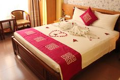 superior double room at http://madammoonguesthouse.com/