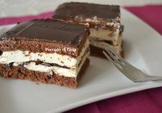 Davvero semplice e gustosa questa torta Kinder pingui: sarà la felicità dei bimbi ma anche dei più grandi!