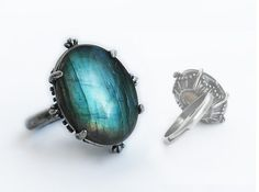 Hey, I found this really awesome Etsy listing at https://www.etsy.com/listing/155184239/labradorite-stone-ring-blue-green-stone