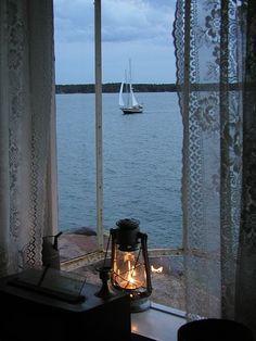 en bordure 田 fenetre windown fenster horizon seascape paysage marin lantern mood Ventana Windows, Window View, Window Lights, Rear Window, Through The Window, Interior Exterior, Interior Doors, Interior Design, Coastal Living