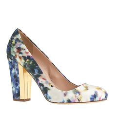 Love heel shape, higher vamp, abstract watercolor not a distinct floral.