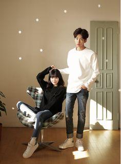 Korean Couple Fashion – ImeK Kpop Fashion, Korean Fashion, Fashion Trends, Korean Couple Photoshoot, Ulzzang Couple, Fashion Couple, Couple Outfits, Poses, Couple Goals