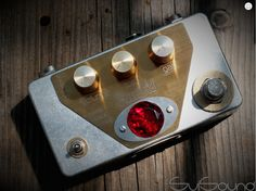 "SviSound Germanium Fuzz Overdrive FuzzoZoid 01 – Vintage fuzz overdrive with old military ex-USSR germanium transistors and diodes. High impedance input buffer allows to use this pedal after other pedals or with active pickups.  True germanium sound • True bypass • Fuzz, tone and volume controls • Gain tone switch ""normal - treble - bass"" • Glass crystal indicator • Full metal design • Power from external adapter 9V 
