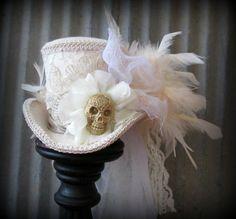 White Mini Top Hat with Skull Mad Hatter Costumes, Mad Hatter Hats, Mad Hatter Tea, Mad Hatters, Tutu Costumes, Costume Ideas, Girl Dinosaur Birthday, Kids Birthday Themes, Elmo Birthday