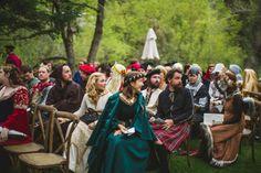 Se você acredita em magia, elfos e outras criaturas então, provavelmente você se sentirá inspirado com este casamento. Se você gosta de magia, elfos, outras criaturas, estilo medieval e se seu film…