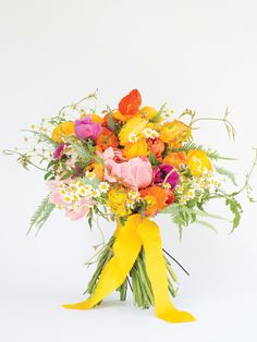 bold + vibrant bouquet | Patricia Lyons + Janie Medley #wedding
