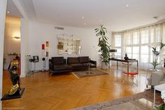 Very spacious, comfortable, light apartment in excellent condition for sale in the 7th arrondissement of Paris on Rue Cognacq Jay. Exclusive property in a nice area of the city between Les Invalides and Champs de Mars. https://www.glamourapartments.com/real-estate/for-sale/cognacq-jay