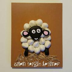 12x15 cm. #tasboyama #satilik #tasboyamasanati #stonepainting #paintingrocks #sevimlihayvanlar #koyun #animal #dekorasyon #cocukodasidekorasyon #elemegi #hobi #sanat #hayvanlarisevelim #kisiyeozelhediye #hediye #cocuklaricin #cadeau #art #eskisehir #turkey