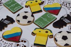 Galletas para apoyar a la selección Colombia en la Copa América Chile 2015. Cubiertas de fondant / Colombia national football (soccer) team cookies.