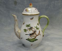 Herend Rothschild Bird China Chocolate Pots, Chocolate Coffee, Coffee Time, Tea Time, Herend China, Hope Is The Thing With Feathers, Kettles, China Patterns, Fine Porcelain