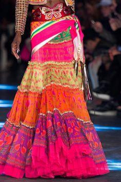 Manish Arora at Paris Fashion Week Spring 2016 - Details Runway Photos Skirt Fashion, Boho Fashion, Vintage Fashion, Paris Fashion, Women's Runway Fashion, Fashion Show, Bohemian Style, Boho Chic, Street Chic