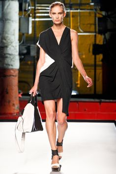 Helmut Lang Spring 2012 Ready-to-Wear Collection Slideshow on Style.com
