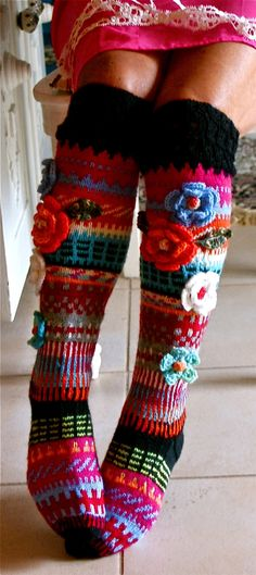 Colorful knit socks with crochet flowers by Anelma Kervinen, Finland Knitting Socks, Hand Knitting, Knitting Patterns, Knit Socks, Crochet Slippers, Knit Crochet, Knitting Projects, Crochet Projects, Slippers