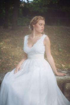Les Robes de mariée d'Organse - Paris   Crédits : Organse   Modèle : Julia   Donne-moi ta main - Blog mariage #RobesDeMariée #mariage #Mariée #Bride #Bohème #WeddingDresses #Blanc #collection2016
