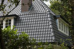 Keramische dakbedekking voor duurzame onderhoudsvriendelijke dakpannen met een lange levensduur. Panmodel: Tuile Du Nord 44