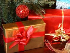 137 Inexpensive gift ideas