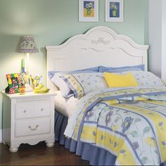 The right headboard can bring an entire bedroom set together.
