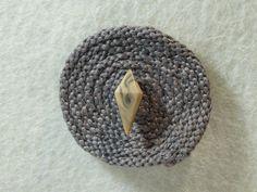 """Ansteckbroschen - Brosche """"Kordelino"""" aus Baumwolle mit Knopf - ein Designerstück von Nadeltasse bei DaWanda Shops, Brooches, Cotton, Tents, Retail, Retail Stores"""