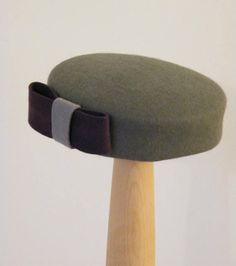 elegant winter hat  / grey pillbox hat / Jackie O hat / 50s