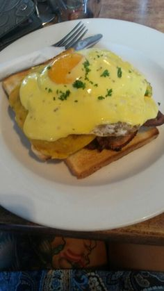 """""""Bubble and squeek"""" fried mashed vege,toast,bacon,fried egg and holindaise from cafe cuba palmerston north 8/10"""