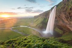 Sunset at Seljalandsfoss Iceland [OC] [5548x3699] http://ift.tt/296ejz8