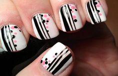 Diseños de uñas con rayas y colores, diseño de uñas rayas con puntos.   #manicuras #nails #uñasfinas