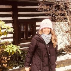 Lucie Vondráčková (@lucievondrackovaofficial) • Fotky a videá na Instagrame Canada Goose Jackets, Winter Jackets, Instagram, Fashion, Winter Coats, Moda, Winter Vest Outfits, Fashion Styles, Fashion Illustrations