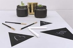 Personalise your study with a painted desk top Habitats, Diy Projects, Easter, Study, Desk, How To Make, Top, Studio, Desktop