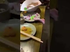 Experts are struggling to identify the meat that is shown crawling off a plate in the viral video. But it probably isn't chicken or frog. Chinese Social Media, Tales From The Crypt, Walking Dead Zombies, Viral Videos, Something To Do, Ruin, Relax, Plate, Platform