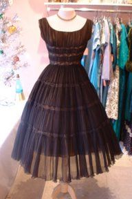 I LOVE this dress, but I have no idea where I would wear it...I'd have to be going to a really grand ball.