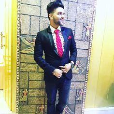 Looking handsome man Guru Pics, My Lynn, How To Look Handsome, Handsome Man, Sikh Quotes, Love Guru, Love Husband Quotes, My Crush, Superstar