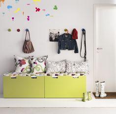 Detský nábytok STUVA môžete využiť aj v predsieni.   http://www.ikea.com/sk/sk/catalog/categories/departments/childrens_ikea/18836/