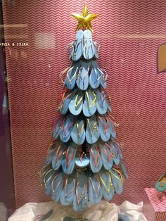 flip flop tree -- SHUT THE FRONT DOOR!!! I soooo need to do this!