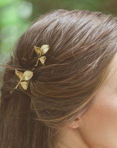 Grecian feuille Hair Clips feuille d'or épingles feuilles Pins déesse grecque Grecian accessoires pour cheveux Accessoires cheveux mariée demoiselles tombent par EchoandLaurel sur Etsy https://www.etsy.com/fr/listing/202997062/grecian-feuille-hair-clips-feuille-dor