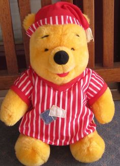 "Vintage 1998 12"" Mattel BEDTIME Winnie The Pooh GOWN & HAT 12"