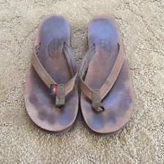 Women's Rainbow Sandals Size Small (5.5-6.5) Used leather flip flops. Double soled. Still have a lot of life left in them. I wore them as a size 6. Rainbow Sandals Shoes Sandals