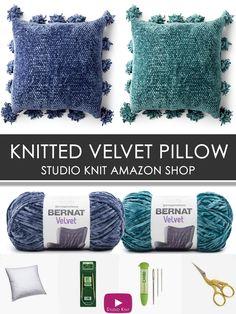 Knit Along to make this Velvet Knit Pillow Pattern. Knitting Blogs, Knitting For Beginners, Easy Knitting, Loom Knitting, Knitting Stitches, Knitting Projects, Crochet Projects, Knitting Patterns, Crochet Patterns