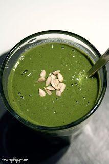 Mehr Gesund geht kaum! Regina frühstückt den Vegan Wednesday Protein Smoothie. Das Rezept findet ihr auf ihrem Post! http://mucveg.blogspot.de/2013/02/vegan-wednesday-25.html