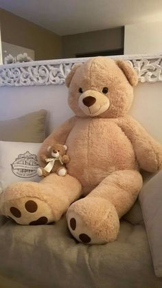 Huge Teddy Bears, Teddy Bear Day, Giant Teddy Bear, Teddy Girl, Teddy Bear Tattoos, Teddy Bear Pictures, Bear Wallpaper, Cute Stuffed Animals, Bear Doll