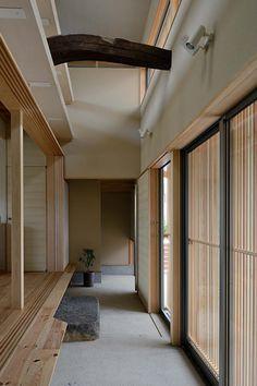 6 Inspirational Modern Japanese Interior Style Ideas You Should Steal - Sjoystudios Modern Japanese Interior, Japan Interior, Japanese Interior Design, Japanese Home Decor, Japanese Living Rooms, Modern Japanese Architecture, Japan Architecture, Interior Architecture, Japanese Style House