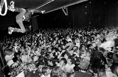 4. Nirvana Stage DiverSeattle, June 1, 1990