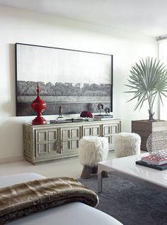 Hernan Arriaga, maravilloso trabajo, me encanta como destaca el rojo en esta sala y la palma gris es mi favorita