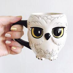 ceramic mugs Harry Potter Hedwig Ceramic Mug Brand New In Box Hedwig Harry Potter, Objet Harry Potter, Harry Potter Diy, Harry Potter Nails, Owl Mug, Disney Mugs, Cute Cups, Fantastic Beasts, Hogwarts