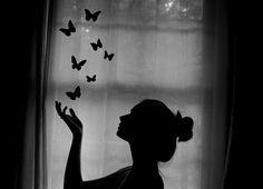 Afbeelding via We Heart It https://weheartit.com/entry/145118180 #art #beauty #black&white #breakaway #butterfly #cool #dark #Dream #fantasy #fly #freedom #girl #photography #vintage
