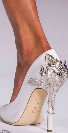 Ralph Russo Couture Spring 2016 Women's Accessories - amzn.to/2hWwWYY Women's Shoes - http://amzn.to/2j5cIw2