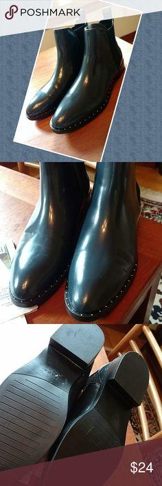 Nwt zara booties sz 8 Nwt zara navy booties sz 8 Zara Shoes Ankle Boots & Booties